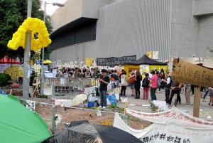 Hong Kong: la rivoluzione degli ombrelli continua da 50 giorni