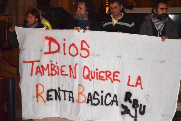 Spagna, occupate le cattedrali per chiedere il reddito sociale di base