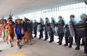 Indiani brasiliani vincono storica battaglia