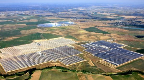 Ecco come il fotovoltaico potrebbe annientare l'impero dei combustibili fossili (e del nucleare) entro il 2030