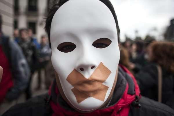 """Reforma """"express"""" del Código Penal en España. Retroceso grave de derechos y libertades"""