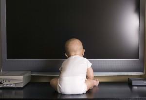 Come la tv danneggia i bambini