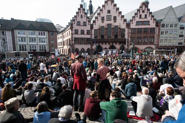 Blockupy : contre la BCE, symbole arrogant de l'austérité, une démonstration réussie de solidarité européenne