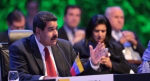 Presidente Maduro le extiende su mano a Obama para establecer un diálogo pacífico
