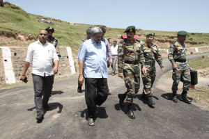 Security reviewed in Jammu & Kashmir by India's defence minister