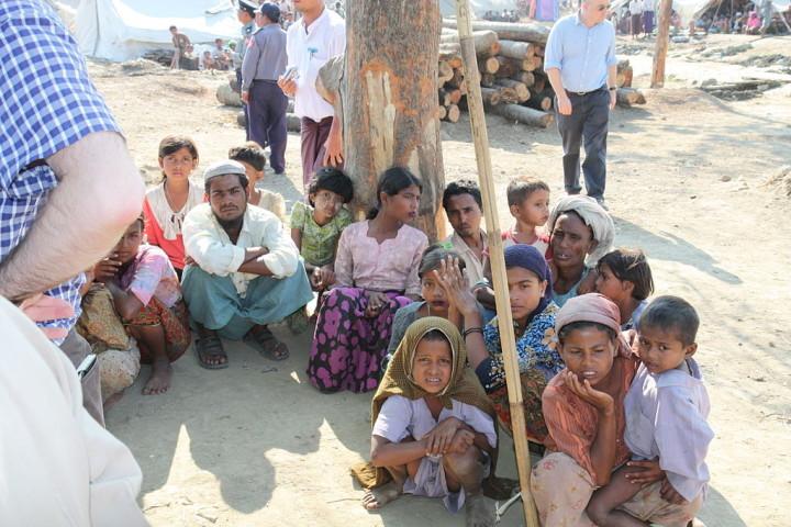 Miles de rohingyas en fuga desembarcan en Indonesia y Malasia