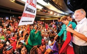 Governo Brasileiro resiste à crise, mas falta dar passos à frente
