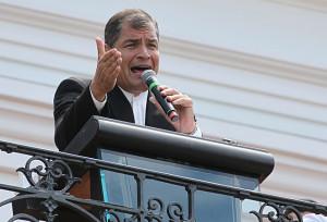 """Ecuadors Bevölkerung fordert """"keine Gewalt"""" und steht hinter Präsident Correa"""