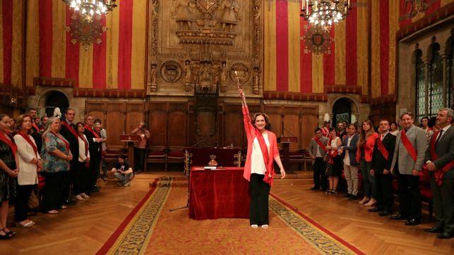 Ada Colau se convierte en la primera alcaldesa de la historia de Barcelona