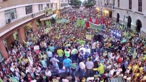"""""""Hay una conspiración en marcha. Se trata de tumbar al gobierno"""", advierte el presidente ecuatoriano"""