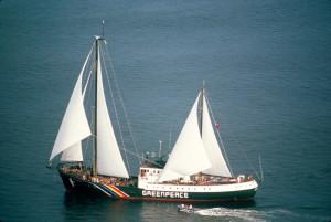 Greenpeace: 30 anni fa affondata la Rainbow Warrior
