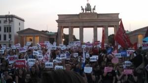 Die Menschen in Berlin senden ein lautes OXI nach Athen