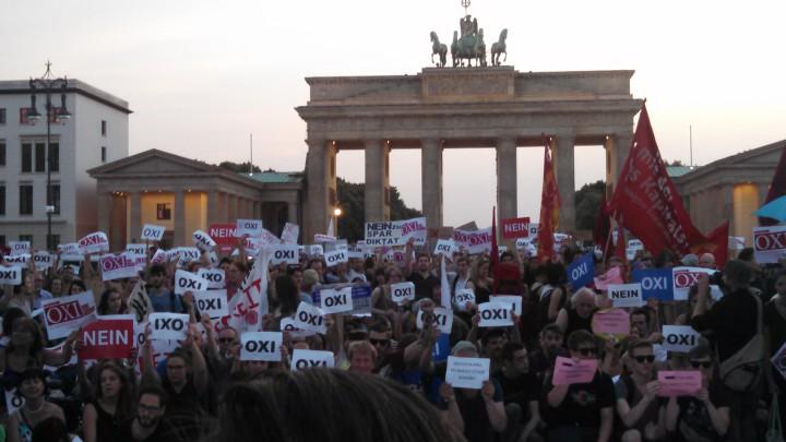 La gente en Berlín envía un fuerte NO hacia Atenas