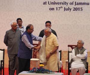 Pix 1 modi with Union Finance Minister Arun Jaitley-small
