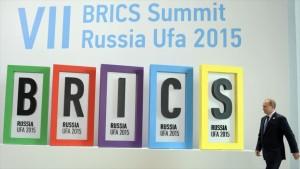 Putin insiste en realizar intercambios en BRICS con monedas nacionales