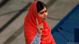 Malala comemora 18 anos ao lado de refugiadas sírias