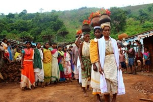 Sacerdotisas tribales preservan las semillas de mijo en India