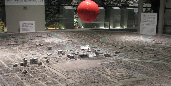 bombing hiroshima nagasaki justified essay