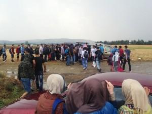 Confine greco-macedone: MSF cura feriti e offre assistenza a migliaia bloccati alla frontiera