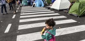 Ungarn: Kinder bei Tumulten an ungarischer Grenze von Familien getrennt