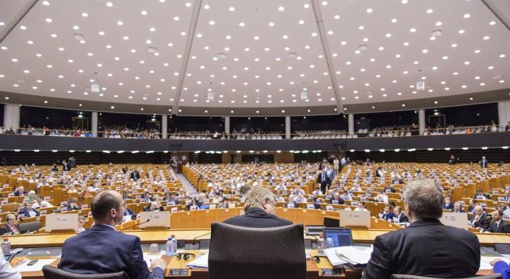 CETA: Bundesregierung verharmlost die Macht neu geschaffener Ausschüsse
