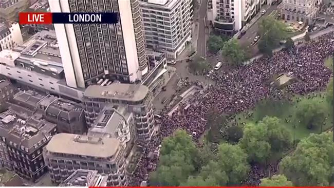 Huge London rally held in solidarity with refugees
