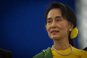 Myanmar: Suu Kyi interviene sui colloqui Governo-minoranze