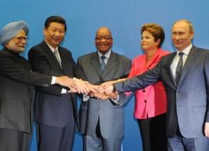 Cristina Fernández advierte: Van por los BRICS