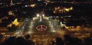 500 antorchas por el Día Internacional de la Noviolencia en Budapest