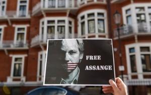 Großbritannien verweigert für Julian Assange medizinische Untersuchung im Krankenhaus