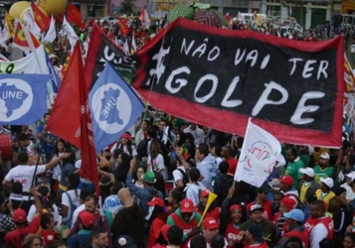 Brasil: Frente faz atos em todo país em defesa da Petrobras e contra o golpe