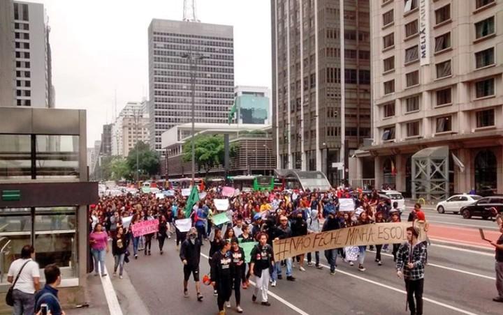 São Paulo – Estudantes organizam manifestação contra 'reorganização' de escolas estaduais
