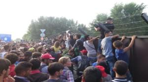 Rifugiati in Ungheria, Amnesty: l'Ue deve dare ammonimento formale