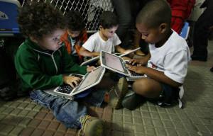 45% da população não utiliza internet dentro ou fora de casa
