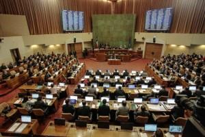 Chile: Senado aprova plebiscito para nova Constituição, e país vai às urnas em abril