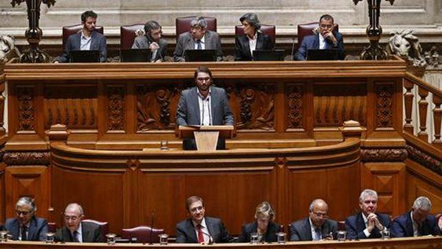 Portogallo, coalizione anti-austerity di sinistra caccia il governo di destra