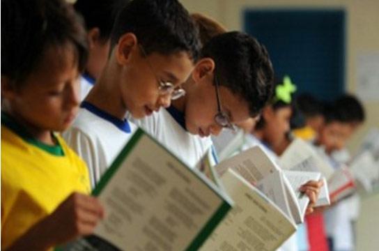 Brasília – Mesmo na escola, mais de 50% das crianças de 8 anos continuam analfabetas
