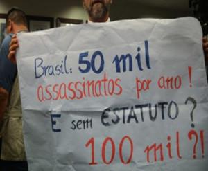 São Paulo – Oficial PM afirma que revogação do desarmamento oficializará o 'bang-bang'