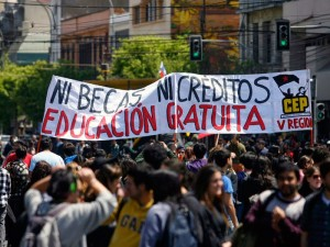 """En """"Regional y Popular"""": Movilizados por una nueva educación"""