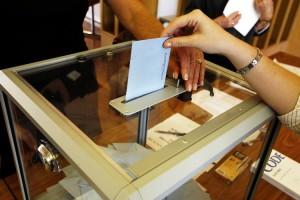 Regionali in Francia: primo turno dominato da FN e astensionismo