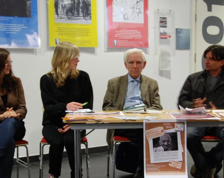 Manifesti per testimoniare la pace e la nonviolenza