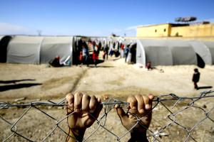 Europa, rifugiate: Amnesty denuncia violenze, sfruttamento e molestie sessuali