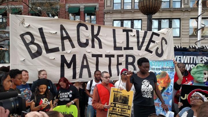Washington, attivisti di #BlackLivesMatter interrompono conferenza di sindaci