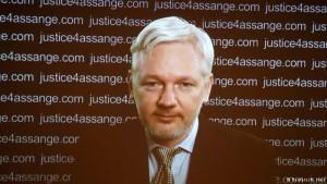 Assange pede que Reino Unido e Suécia apliquem decisão da ONU