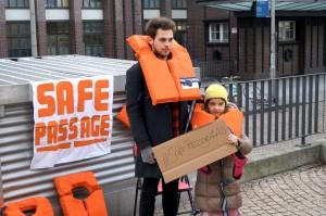 #SafePassage Kundgebung vor dem Tränenpalast in Berlin
