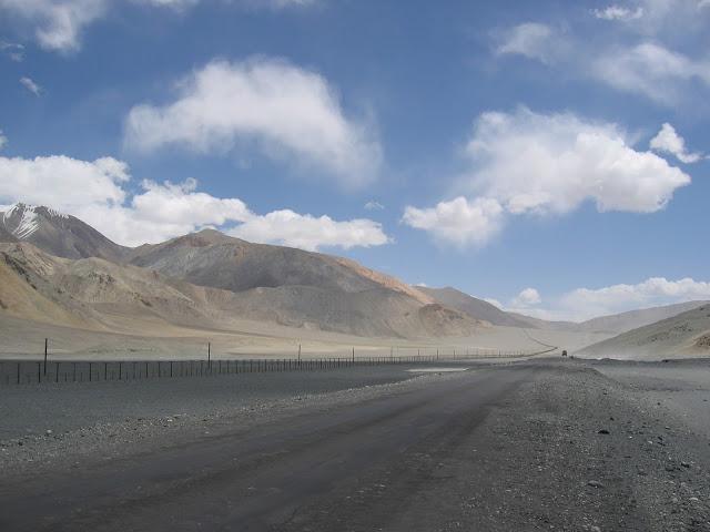 Border_China_TJK2006
