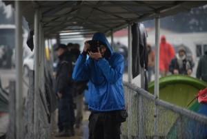 Migranti, il fotoreporter Fabrizio Di Nucci racconta l'arresto in Macedonia