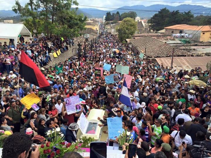 Honduras. Un adieu de masse pour BertaCáceres
