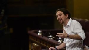 Iglesias: PP es un partido corrupto servil con los poderosos