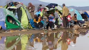 Grecia: migliaia di richiedenti asilo in condizioni agghiaccianti a causa della paralisi europea